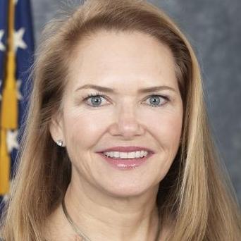 Amy Abernethy, responsable clé de la FDA et chef du groupe de travail CBD, démissionne
