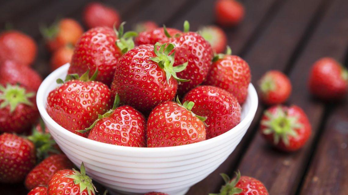 Vous ne pouvez pas garder les fraises fraîches?  Les chercheurs suggèrent d'ajouter du CBD