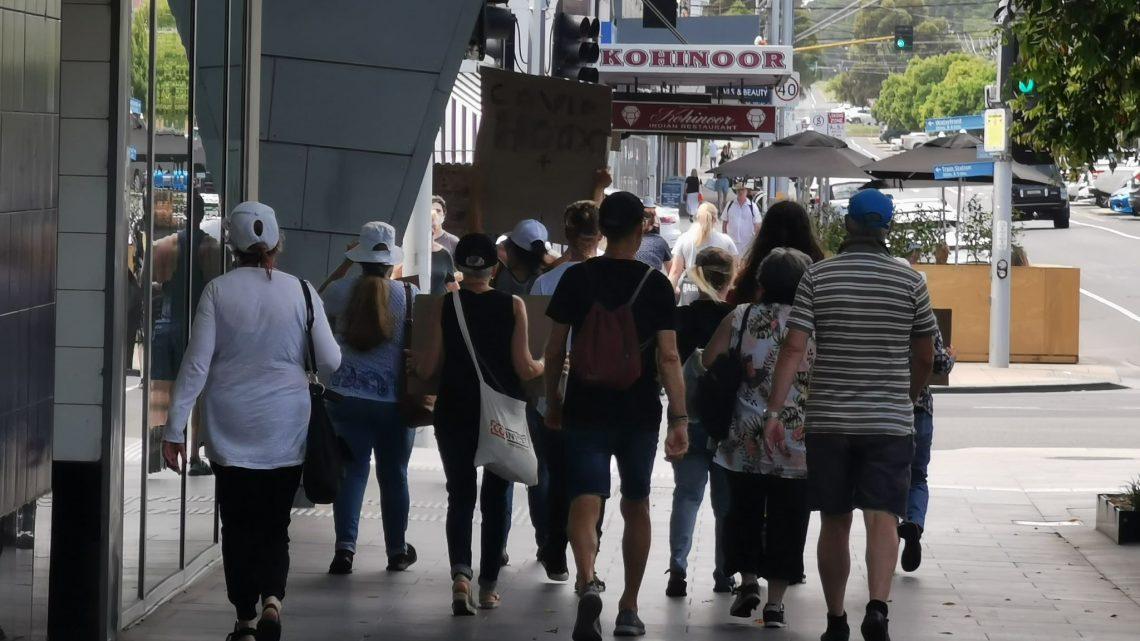 Manifestations à Geelong CBD avant le déploiement des vaccins