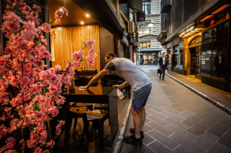 Les cafés de Degraves Street à Melbourne ont de nouveau ouvert leurs portes.