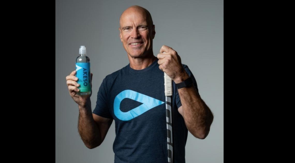La légende de la LNH Mark Messier s'associe à NXT Water pour promouvoir l'eau Akeso CBD