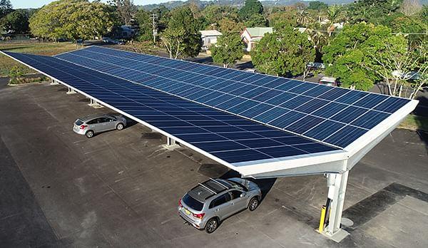 Une subvention fédérale finance des stores solaires dans un parking CBD