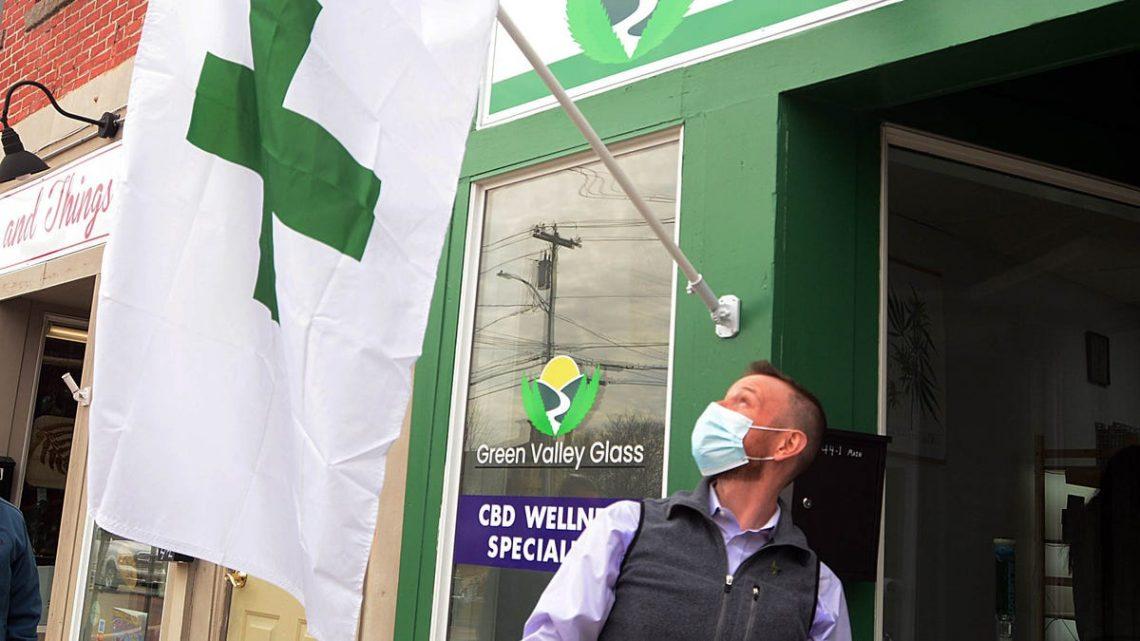 Green Valley Glass cherche à éduquer les masses sur le CBD, la marijuana médicale