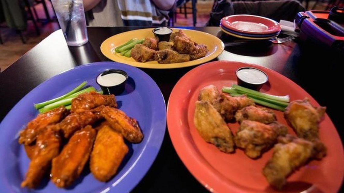 4/20: Wings Over Springfield proposera des ailes de parme à l'ail CBD, les tout-petits le 20 avril alors que le restaurant élargit son menu