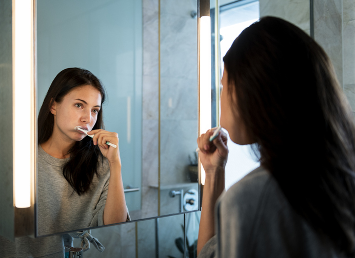 Colgate fait breveter un dentifrice et un rince-bouche de soins bucco-dentaires cannabinoïdes CBD pour leurs propriétés antibactériennes et anti-inflammatoires