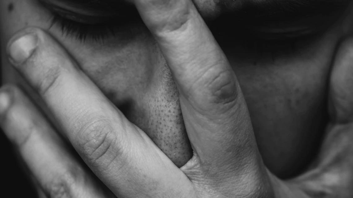 Huile de CBD pour les migraines: dernières recherches, risques, légalité et plus