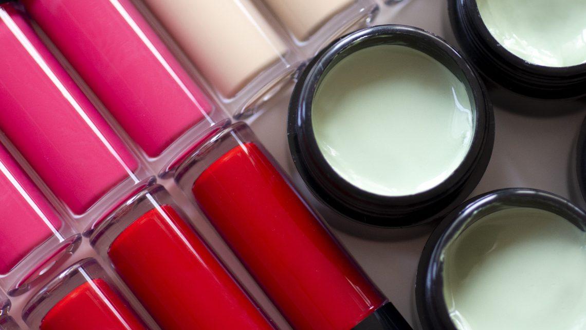 Le concept de maquillage beauté CBD Chillist dévoilé par l'agence The Beauty Makers pour brancher les tendances