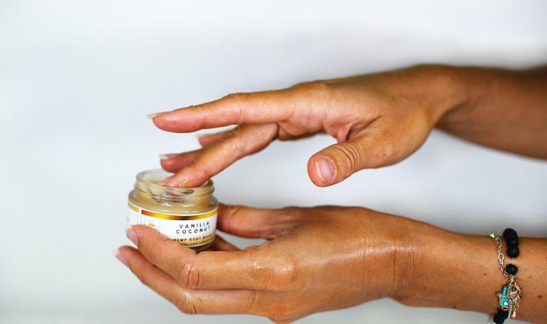 Masque au CBD: comment purifie-t-il la peau?