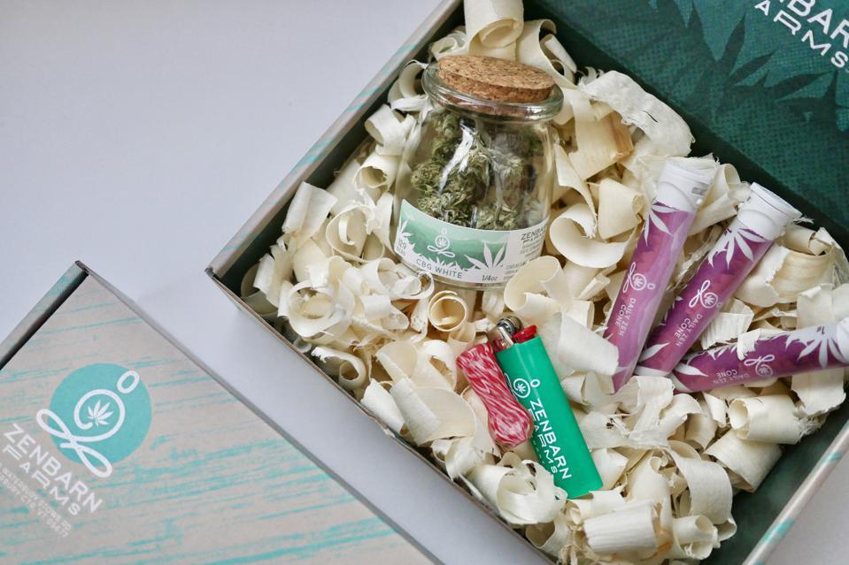 La boîte des amoureux des fleurs de Zenbarn Farms.