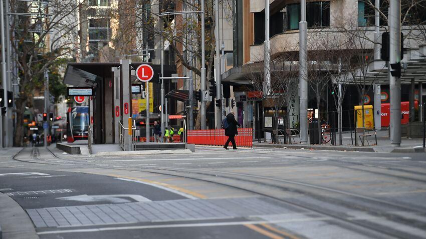 Le CBD de Sydney une ville fantôme alors que NSW se prépare à augmenter les cas de coronavirus