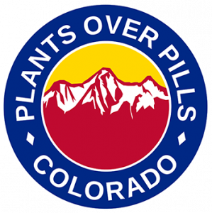 Le logo de la société Plants Over Pills Colorado (POP Colorado).