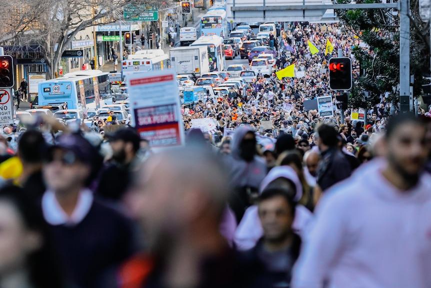 Des foules en protestation