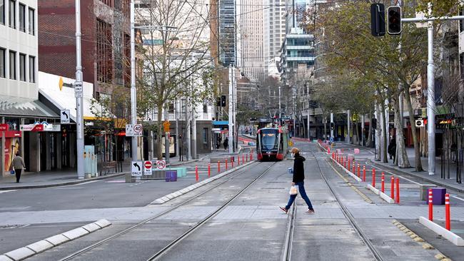 La zone autour du tramway de la rue George était presque vide.  Photo : Jeremy Piper / NCA NewsWire