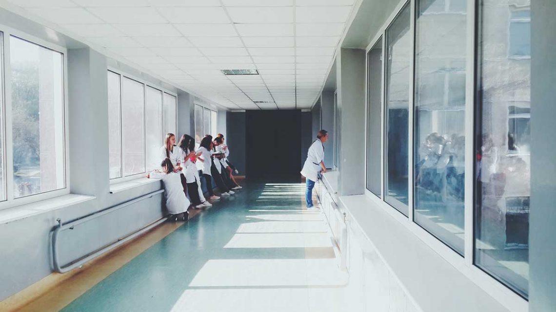 Belfast : des jeunes hospitalisés après avoir inconsciemment vaporisé des épices au lieu de CBD