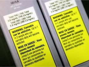 DOSSIER : Étiquettes de mise en garde sur les produits du cannabis vendus au point de vente de la Société québécoise du cannabis sur la rue St-Hubert à Montréal.  /